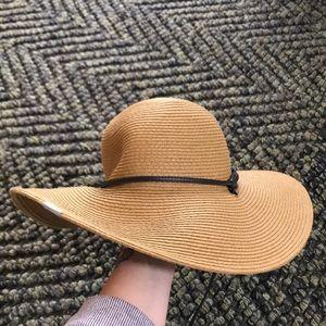 Columbia flop hat